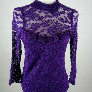 Lily White lace top size small